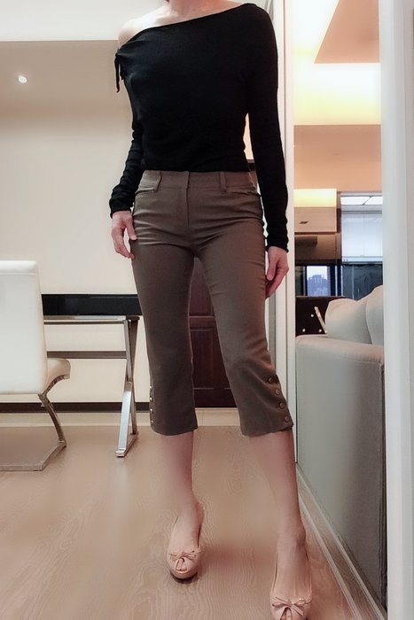 *Beauty*日本QUEENS軍綠金釦五分褲 2 號 1000 元PH