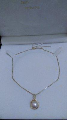 DR專櫃買的半面珠,9000出售,尺寸2.5*1.5*0.8公分