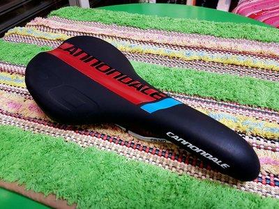 ☆樂多單車社Fixed Gear☆單速車專門店 CANNONDALE 坐墊 座墊 黑藍紅色