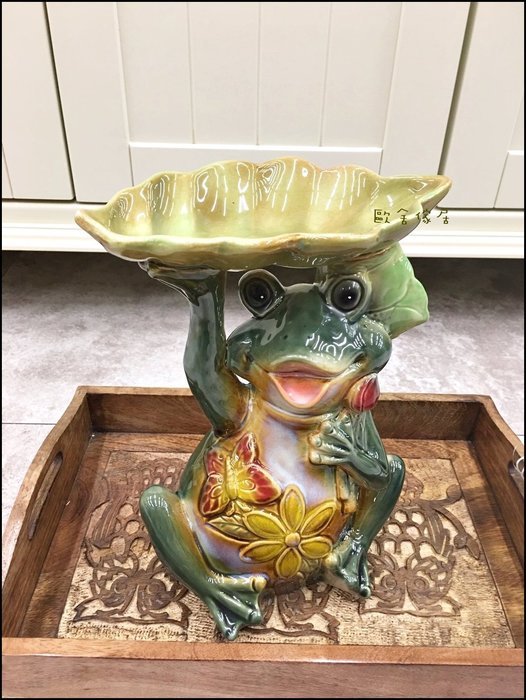 陶瓷手繪青蛙王子托盤子葉子盤子 磁製品蝴蝶大眼青蛙糖果盤裝飾品擺件花器花盆花架肥皂盤桌上收納盤【歐舍傢居】