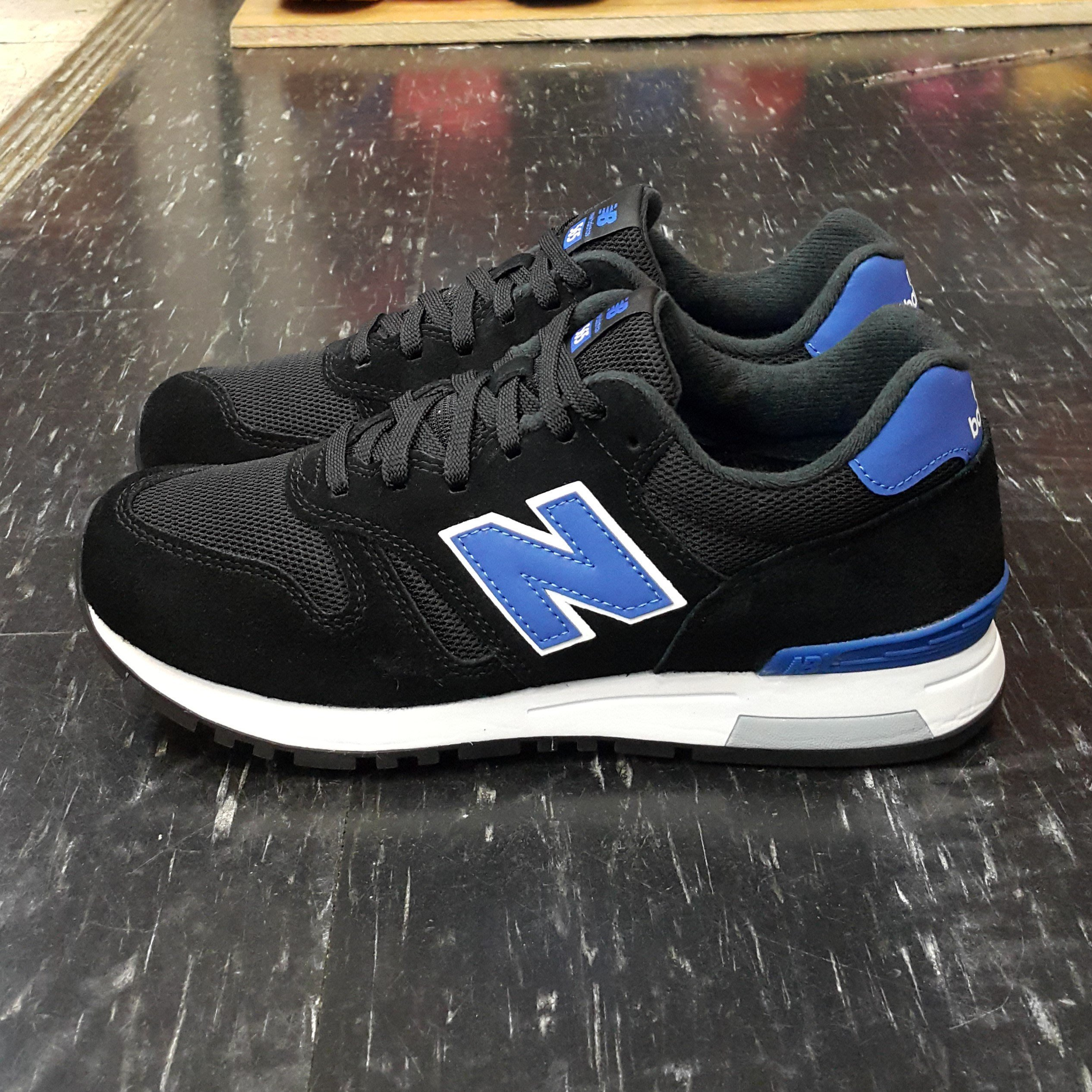 nb 565