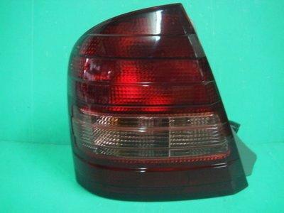 ☆小傑車燈家族☆全新馬自達原廠MAZDA 323 PROTAGE TIERRA ACTIVA紅黑波浪尾燈一顆價格