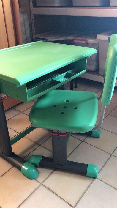 欣美兒童書桌椅