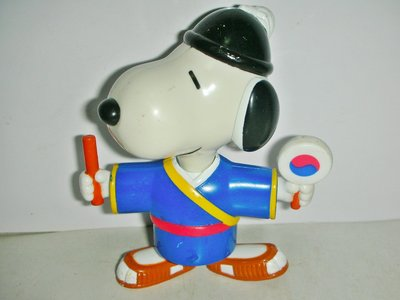 A.(企業寶寶玩偶娃娃)少見1999年麥當勞發行SNOOPY史努比環遊世界2--韓國公仔!--距今已有17歷史值得收藏!