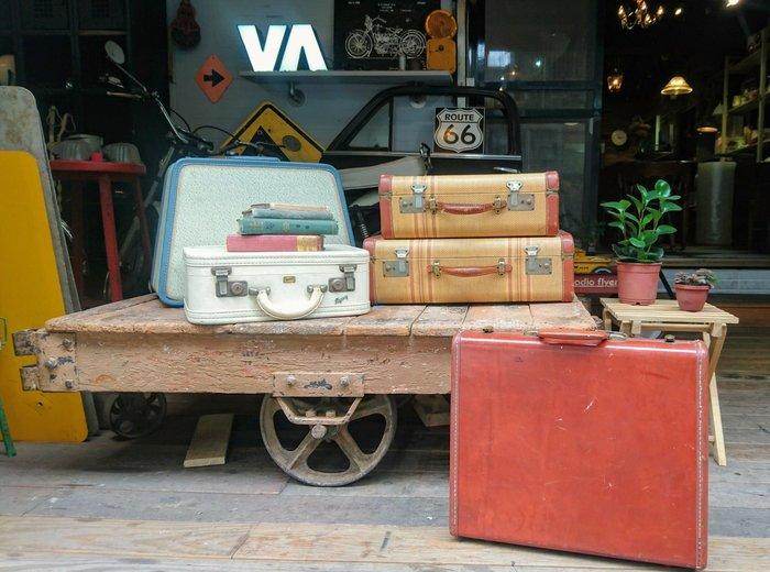 Vintage Americana。復古事 1950年代 旅行箱 行李箱 復古 美國古董 擺飾 收藏 擺攤 公事包
