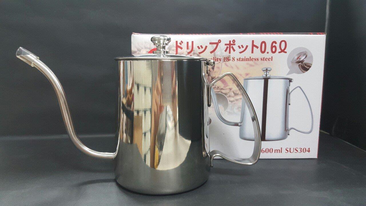 【無敵餐具】寶馬牌 掛耳式附蓋手沖壺(600cc) 細口壺/不鏽鋼細口壼/咖啡壼 JA-S-077-041【B0025】