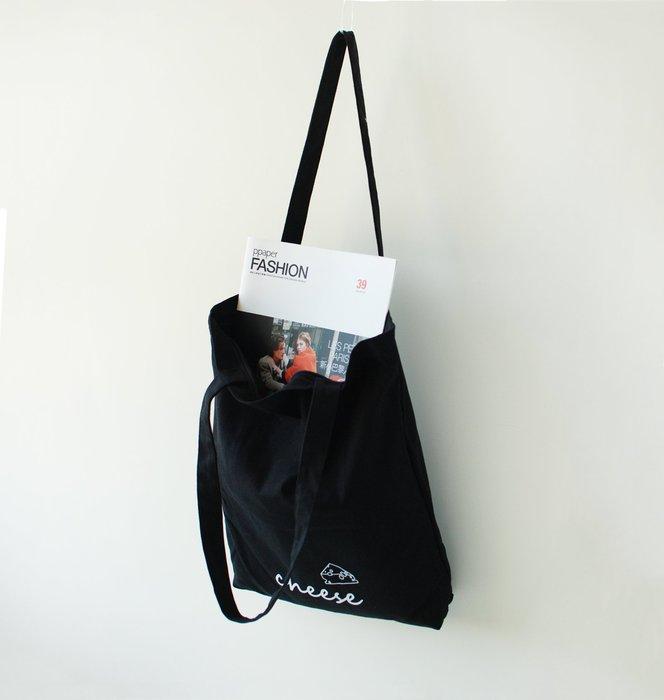 【里樂@ LeaThER 】文青風字母起司塗鴉帆布袋 書包 購物袋 帆布包 手提袋 巧 566