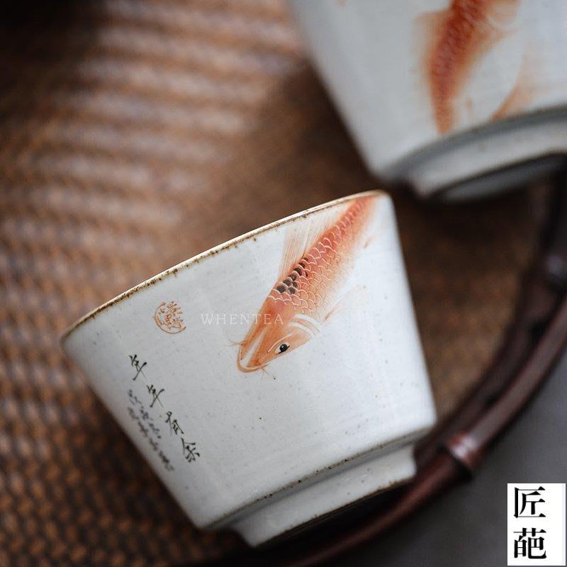 【匠葩】景德鎮純手繪魚戲官窯茶杯 釉上彩手工主人品茗杯 曉華制