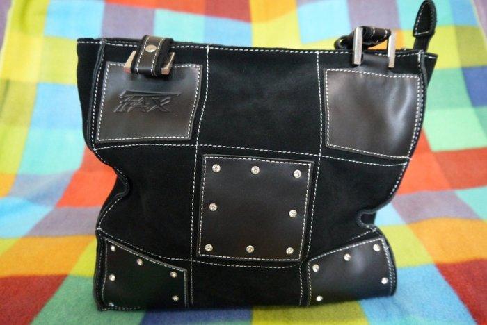 珊蒂藏寶箱~FAX黑色麂皮側背包