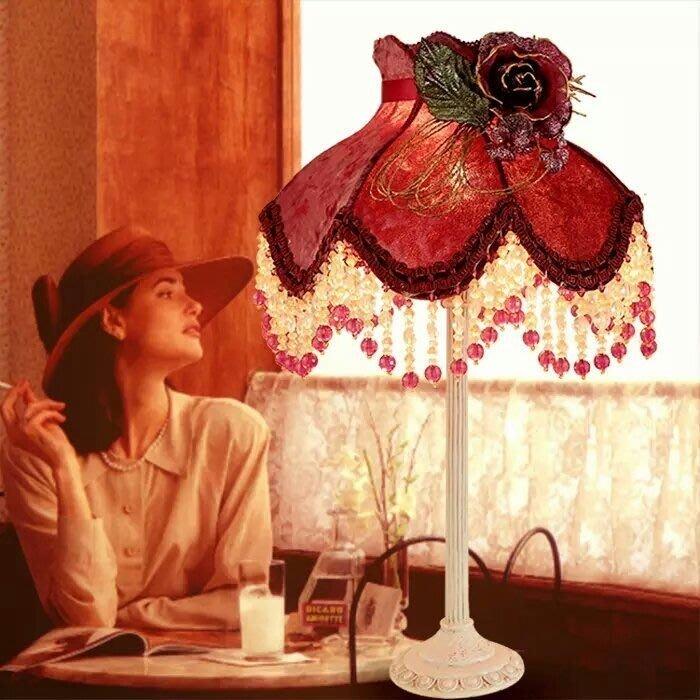 粉紅玫瑰精品屋~復古紅色蕾絲串珠公主枱燈~