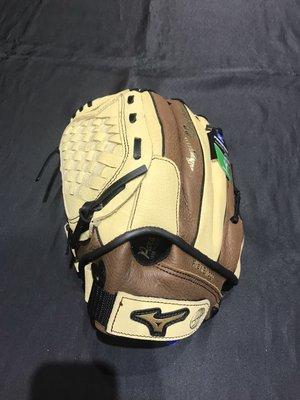 棒球世界Mizuno 美津濃 新款 PROSPECT 少年用棒球牛皮手套(312962.F) 特價11.吋反手