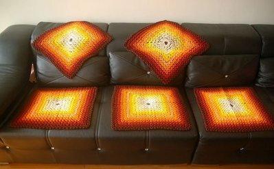 稀有早期手織(細針)立體腦紋沙發巾,每條1200元