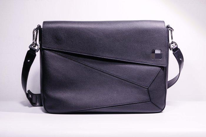 海外原單柔軟小牛皮製作puzzle messenger bag簡約工勤郵差包