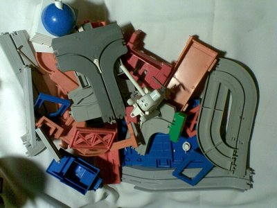 TOMY 湯瑪士 直昇機工程組-泰國製-缺火車組- 《玩具類》-使用已久、尚可堪用,無保固,下標慎慮!