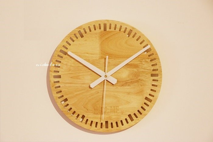尼克卡樂斯~北歐實木掛鐘[時刻款] 靜音時鐘 工業風掛鐘 歐洲鄉村風時鐘 客廳時鐘 臥室時鐘 壁掛鐘