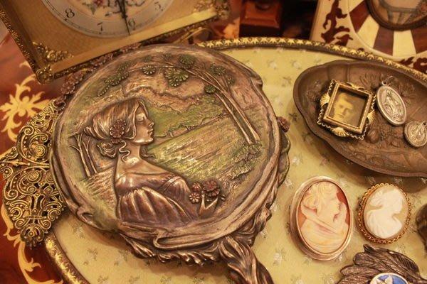 【家與收藏】特價歐洲古典華麗奧地利Art Nouveau新藝術優雅浮雕女神手妝鏡2