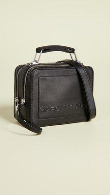 ◎美國代買◎Marc Jacobs the box20 雙材質金屬提把浮雕logo可手提斜肩背可愛盒型背包手提包