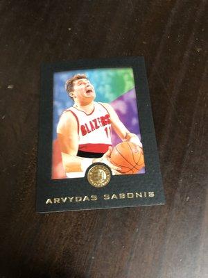 ARVYDAS SABONIS    95-96 SKYBOX EXL RC 黑色版 68 高單價相框卡 前後卡況如圖 台中市