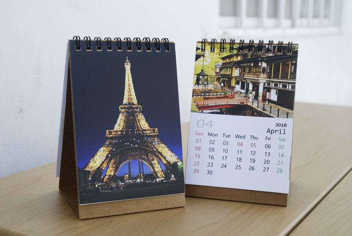 桌曆 可跨年份製作  13張照片 婚禮小物 相片桌曆 年曆 照片客製化 印刷 小量製作 月曆 馬克杯 し