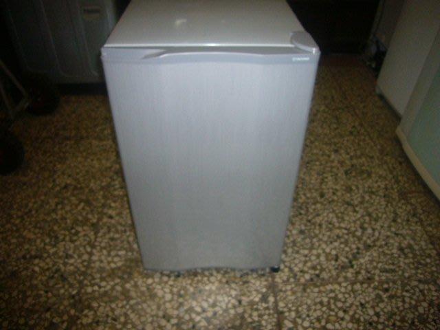 二手小冰箱 中古小冰箱 大同單門小冰箱 100公升 只賣3000元含保固哦!