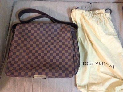 二手名牌正品 / LOUIS VUITTON LV N45258 棋盤格斜背包書包 (長28, 寬35, 厚9公分)