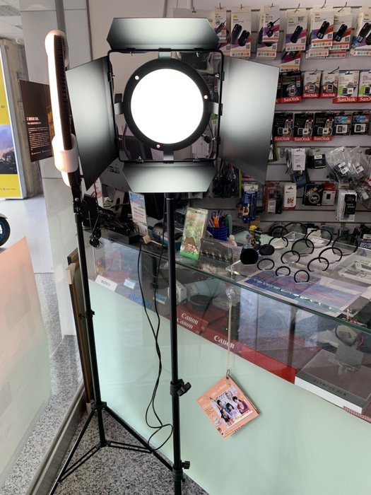 *大元 高雄*【直播美顏神器】LED 攝影棚 持續燈 補光燈 柔光燈 商攝 表演 抖音 直播 網紅 網美 含落地式腳架