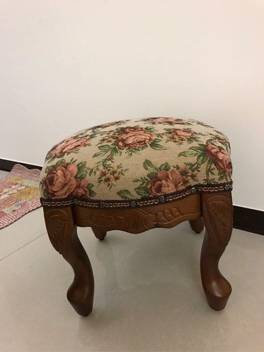 桃花心木雕刻小椅 木色