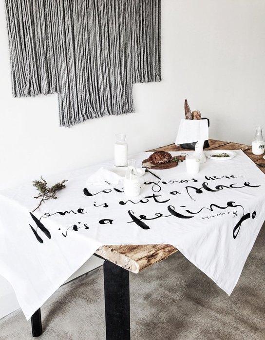 - Meiprunus -原創 設計 北歐 歐美 英文 白色 棉麻 餐桌布 桌巾 沙發布(L)136cm*260cm