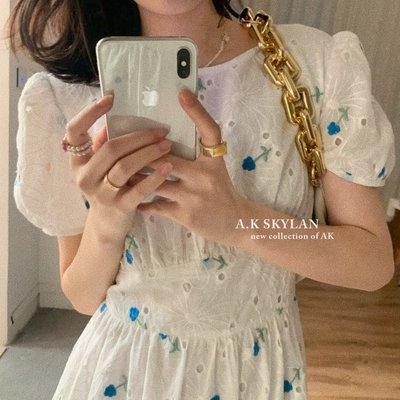 visa正韓專屬女裝AK 鏤空花朵刺繡小個子收腰顯膚色連身裙2021夏季新款