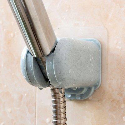☜shop go☞ 可調節 花灑座 蓮蓬頭 支架 淋浴噴頭底 淋浴配件 浴室 拖把 掃把 無痕 蓮蓬頭架【K046-1】