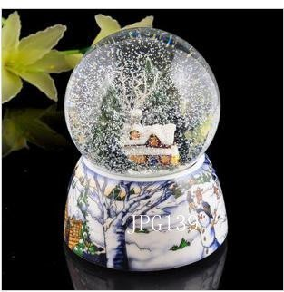 【易發生活館】新品夜光水晶球自動飄雪旋轉水晶球下雪屋飄雪花水晶球音樂盒情人節禮物水晶球聖誕雪屋聖誕節禮物