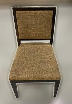 台中二手家具 大里宏品二手家具館 F112647*胡桃餐椅* 二手各式桌椅 中古辦公家具買賣 會議桌椅 辦公桌椅