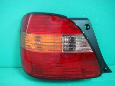 ☆小傑車燈家族☆全新日本原廠零件lexus gs300 98-00年紅黃尾燈一邊3500..rx300 ls400 es300 es330