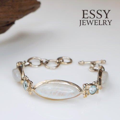 《玥心精品》【月光石 / 藍拓帕石】手鍊 - Essy Jewelry