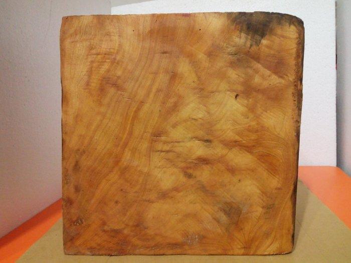【九龍藝品】檜木  黃金磚 5面折花.紋路美.油質豐厚      1