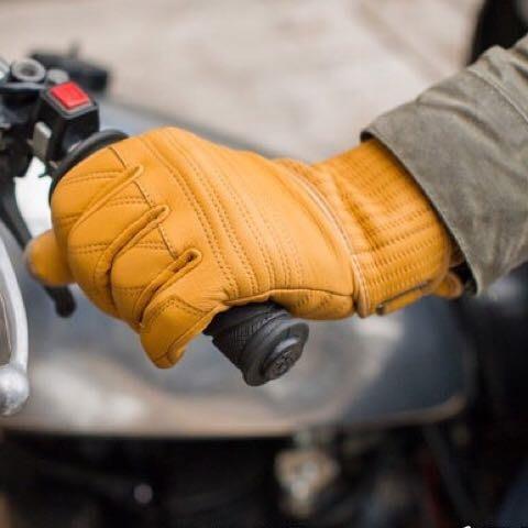 台中大里~moto2 輪館~荷蘭REVIT 復古手套