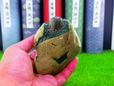 ㊣㊣ 印皇閣 ㊣㊣ 早期私人收藏 - 台灣天然奇石 - 自然成形 - 意形石 - 命名 : 悟 (奇-17)