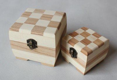 花木木盒 金屬扣 DIY 方型鏡盒 雙色木盒 大號1個 棋盤紋木盒 花木套盒 套盒 9x9x7.8cm