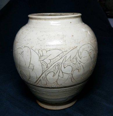 宋 磁州窯線雕珍珠地山罐  高18.5公分 徑10.5公分