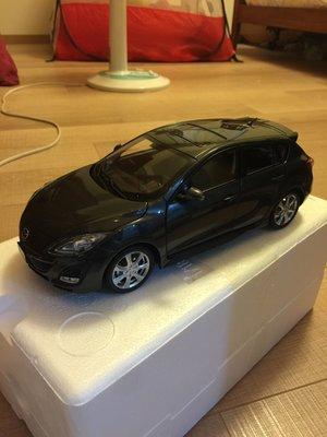 ALL NEW MAZDA 3總代理原廠版 1:18 限量珍藏五門模型車