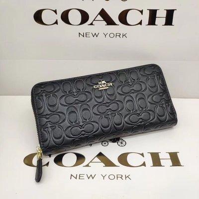 美國名品折扣店~ 特賣 COACH 39631 新款女士壓C紋長夾 拉鏈錢包 皮夾