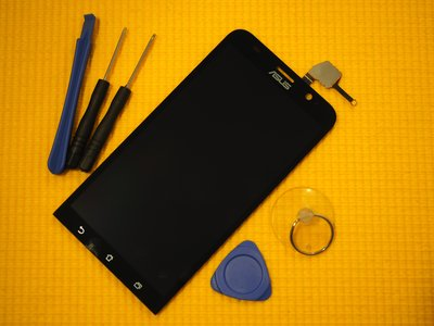 免 ~新生 手機快修~ASUS Zenfone 2 ZE551ML 液晶螢幕總成 無法顯示 Z00AD 玻璃破裂維修