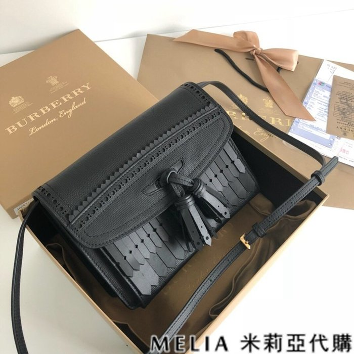 Melia 米莉亞代購 美國精品代購 巴寶莉 戰馬 女士秋冬新款 流蘇包 獨特雕藝 全手工 接拍必備 黑色