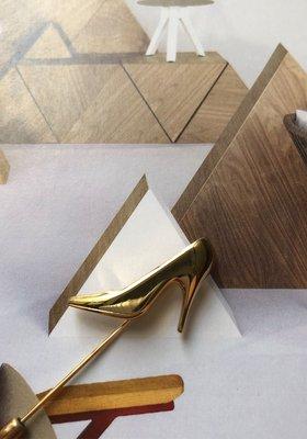 Salvatore Ferragamo 高根鞋造型領針,少使用