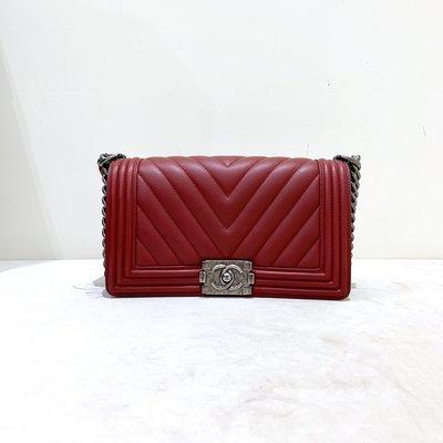 Chanel Boy 25  山形紋 牛皮 復古銀釦 酒紅色《精品女王全新&二手》