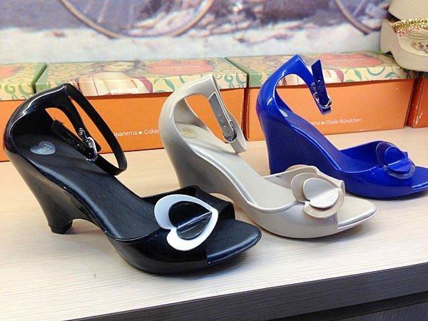 嘉年華 巴西人字鞋 Melissa 副牌Mel 高跟愛心魚口美鞋 零碼出清