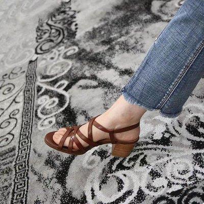 韓國香奈兒 真皮牛皮粗跟羅馬鞋 涼鞋 棕色 米色 5.5公分中跟 交叉一字 大碼小碼32-41 高雄市