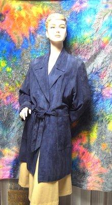 精品大師-CELINE-星空藍山羊麂皮綁帶風衣/市價20萬-二手真品