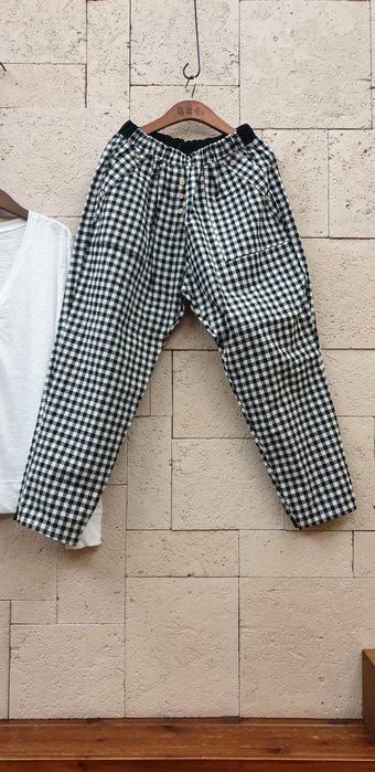 蘋果樹 韓國服飾~鬆緊腰帶內綁帶九分格紋褲 Freesize 無彈性