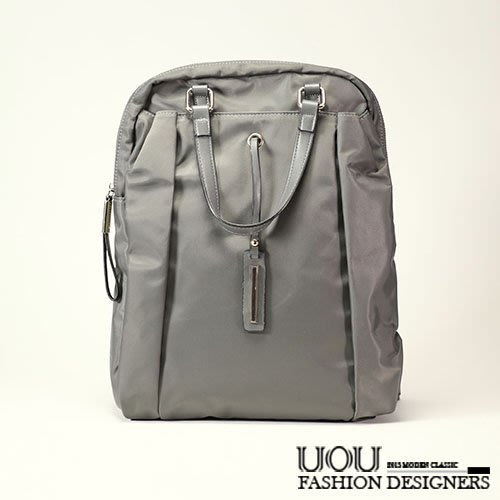 *UOU精品*韓國空運 後背包簡約質感雙肩背帶鐵牌吊飾防水布包大包包電腦包12吋‧3色【K057】